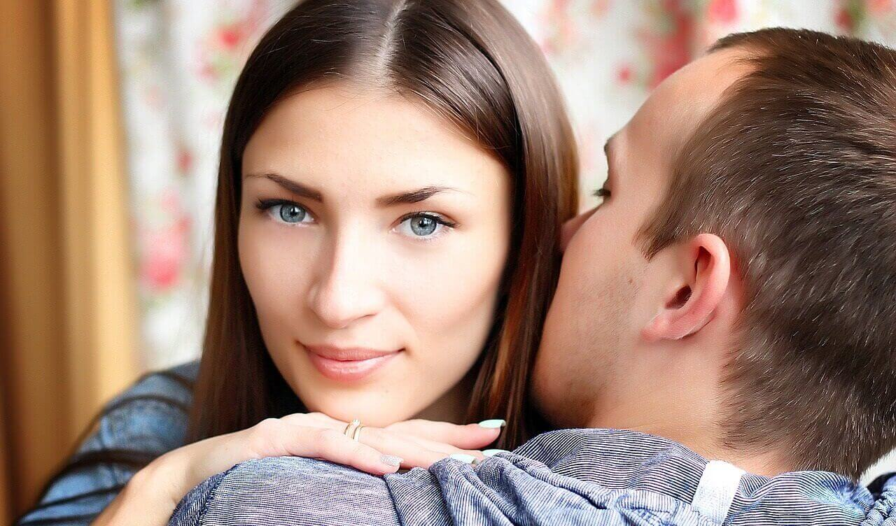 Hugging and Kissing Serbian Wway: Why Serbs Kiss Three Times 1