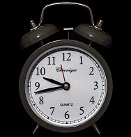 9:43 What's the time in Serbian